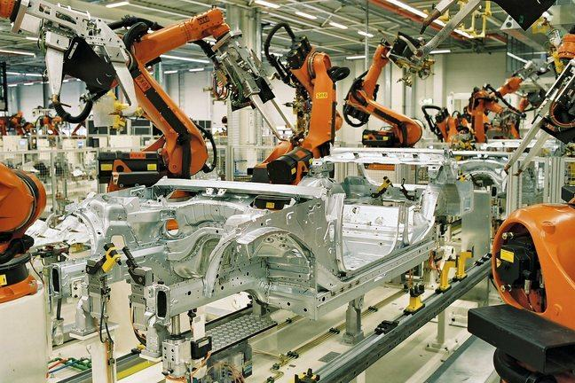 robots on a car assembly line